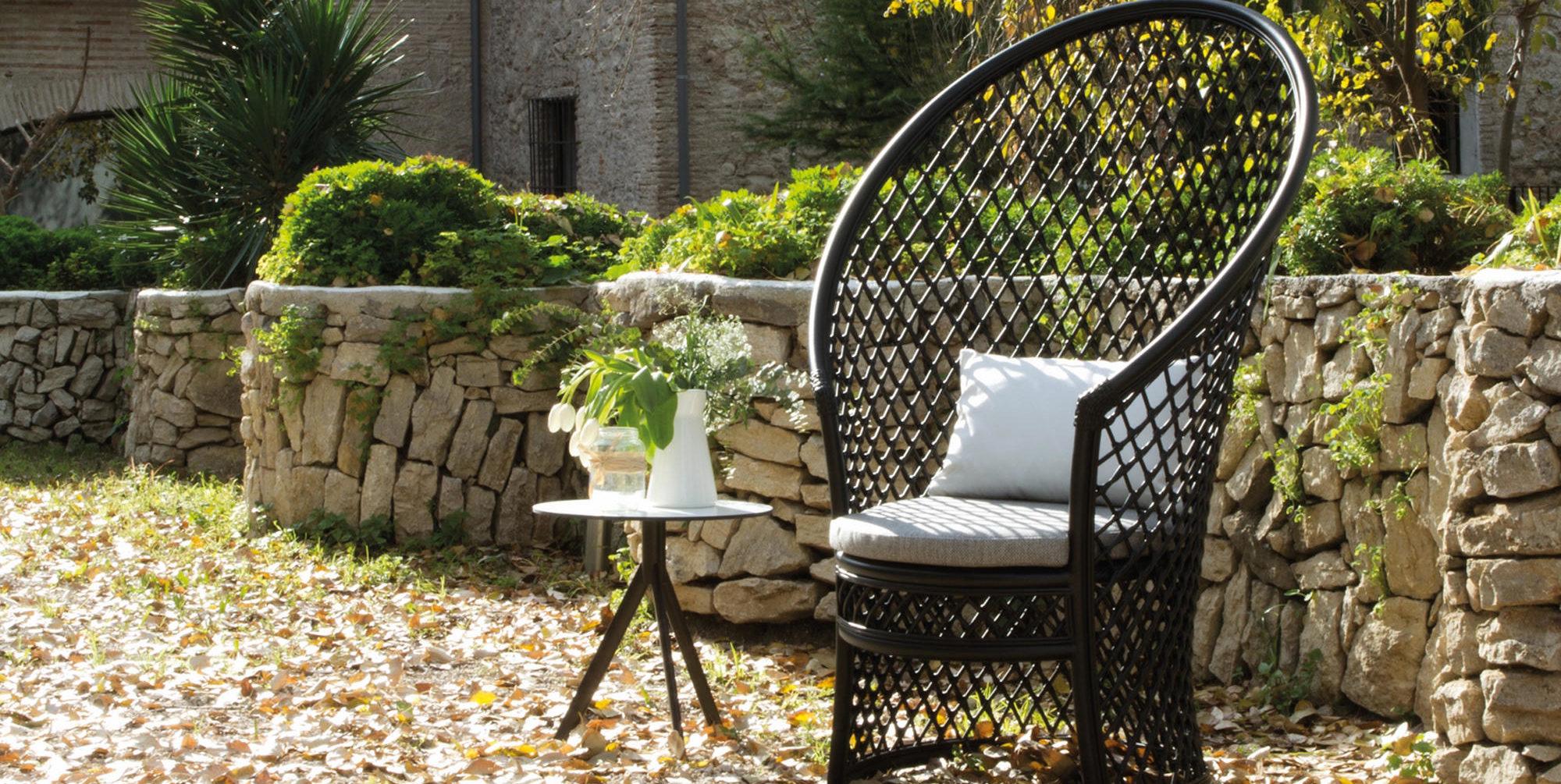 mobilier outdoor design mobilier outdoor design 12 propositions exclusives par les top. Black Bedroom Furniture Sets. Home Design Ideas