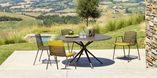 Table repas Moai FAST - BUXUS DESIGN