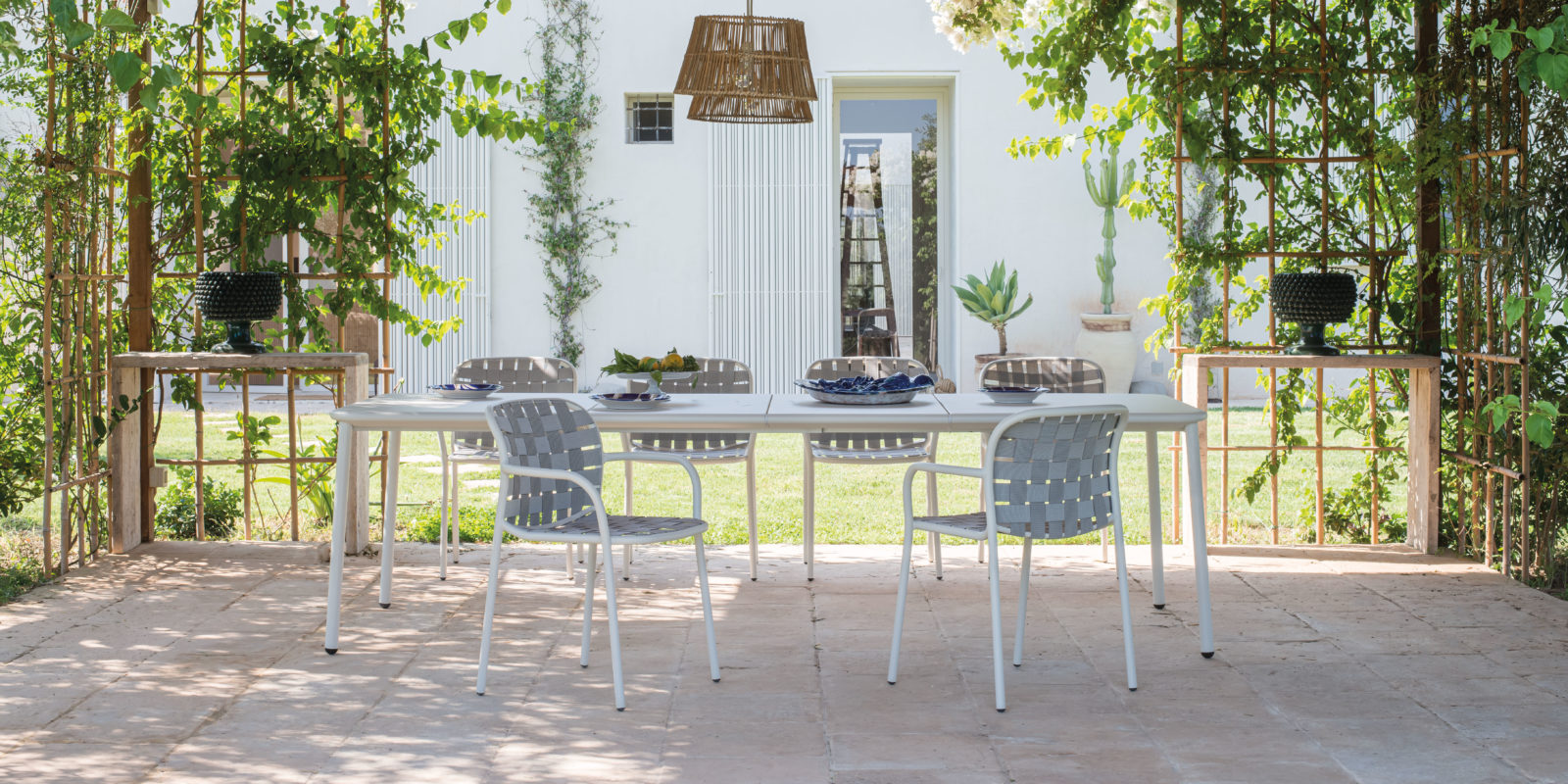 Table YARD - Fauteuil YARD - EMU / BUXUS